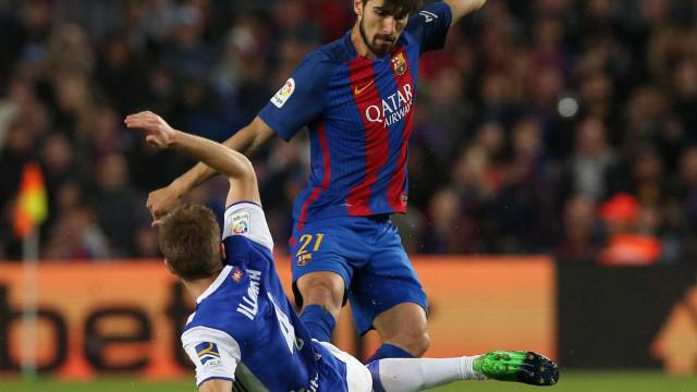 André Gomes falha jogo de apresentação do Barcelona