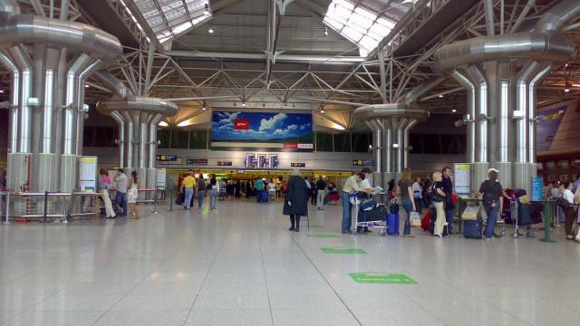 Aeroporto de Lisboa pode perder até 2,5 milhões de passageiros este ano