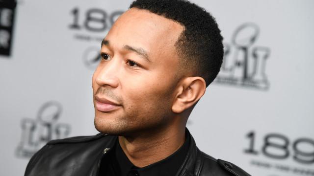 'Mini John Legend!': Filho do cantor impressiona com semelhanças ao pai