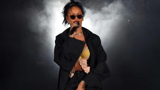 Rihanna processada por copiar logótipo de marca