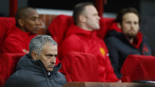 """Mourinho não quer Smalling na seleção: """"Voltam sempre lesionados"""""""