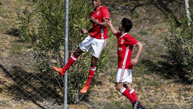 Benfica coloca cláusulas milionárias em Ferro, Gedson e Heriberto