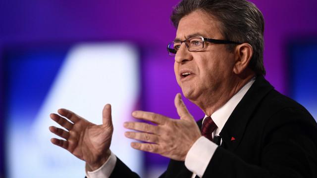 Partido França Insubmissa e líder Mélenchon alvo de buscas