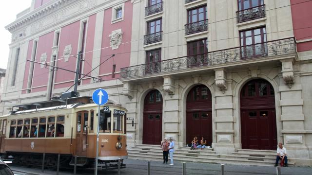 Teatro Nacional São João recebe estreia da tragédia 'O Mal-Entendido'