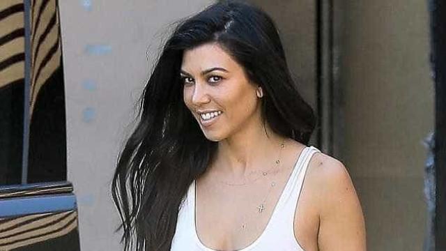 O beijo apaixonado de Kourtney Kardashian