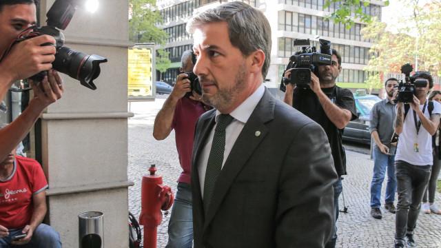 Bruno de Carvalho fora do banco de suplentes por opção