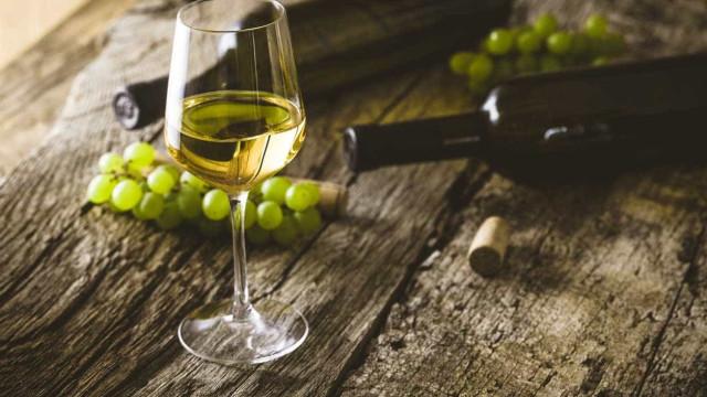 Esqueça o gin, agora a moda é juntar vinho do Porto branco a tónica