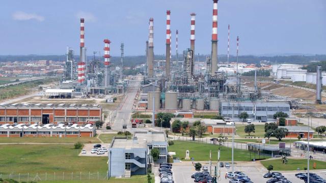 """Petrogal: PSD questiona Governo sobre """"abandono de mediação de conflitos"""""""