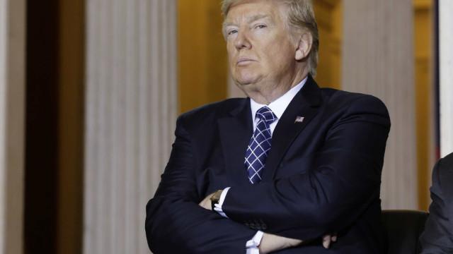 """Trump lamenta que republicanos façam """"tão pouco"""" para o proteger"""