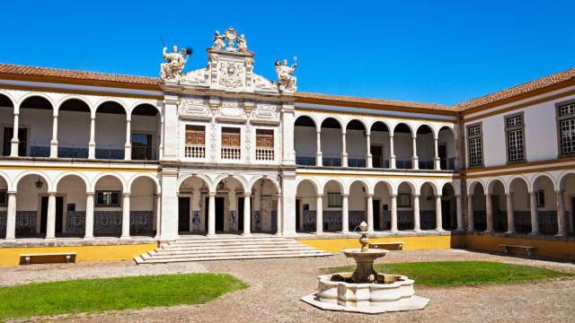 Agressões a estudantes em Évora preocupam Universidade. Associação alerta