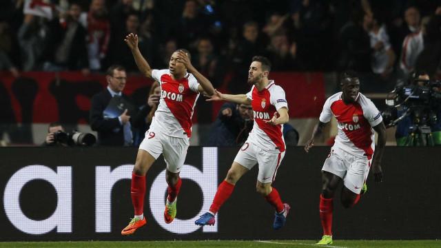 Bernardo Silva 'chama' Mbappé para o Manchester City