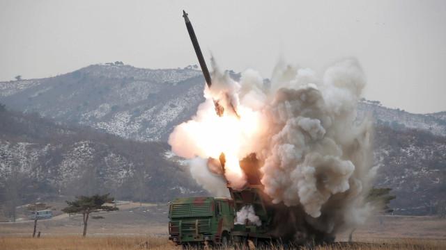 """Rússia """"extremamente preocupada"""" após lançamento de míssil norte-coreano"""