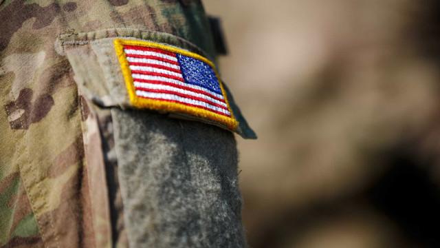 Possível atirador está nas instalações do exército dos EUA