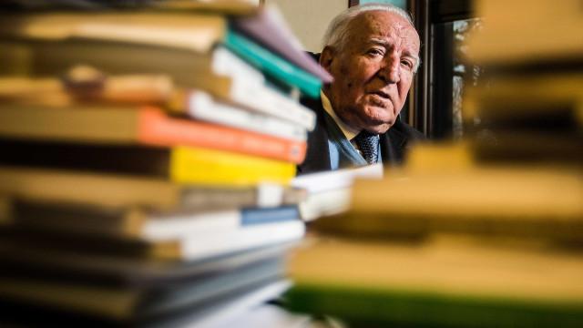 Eduardo Lourenço apresenta obra que ajuda a pensar a literatura lusa