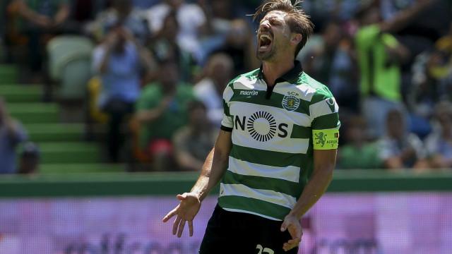 Aumenta a lista de interessados em Adrien Silva