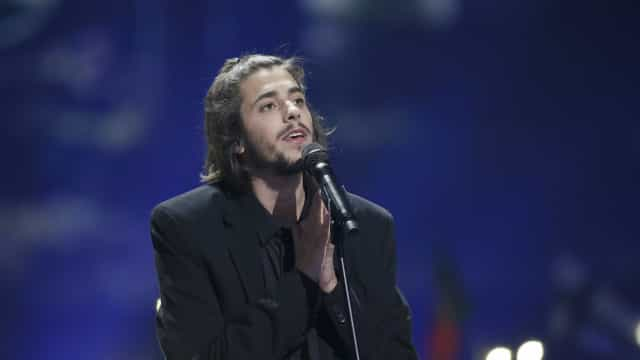 Salvador Sobral anuncia último concerto antes de abandonar os palcos