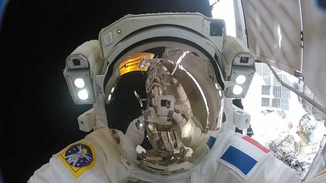 Recorde de maior 'passeio espacial' não acaba da melhor forma