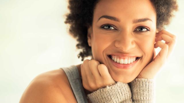 Cinco dicas para cuidar dos implantes dentários