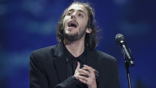 Eslovena imita Salvador Sobral no programa 'A Tua Cara Não Me É Estranha'