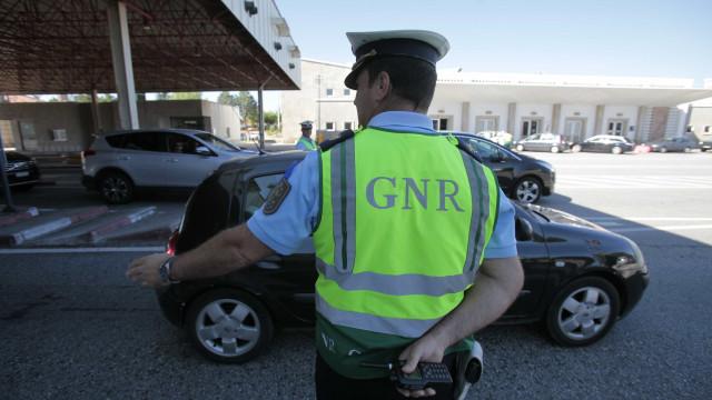 Três mortos e 655 acidentes no terceiro dia de Operação Páscoa da GNR
