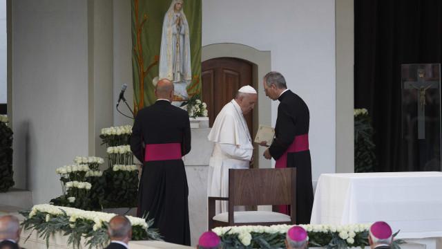 Francisco pediu desculpa aos bispos por ter passado pouco tempo com eles