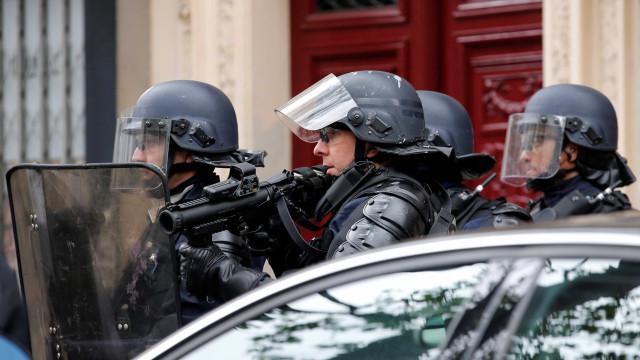 Encontrado material explosivo em operação antiterrorista no sul de Paris