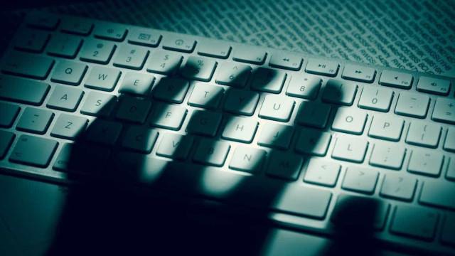 Hackers invadem base de dados de dois ministérios alemães