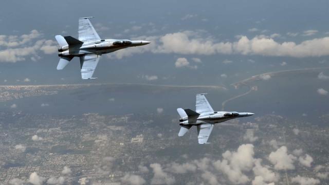 Dois caças chineses intercetam avião de reconhecimento norte-americano