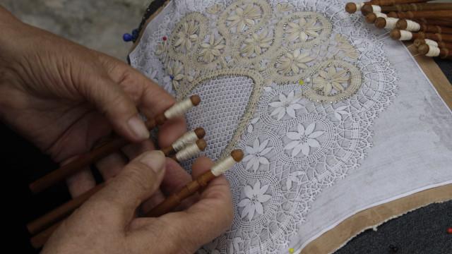 Feira de Artesanato de Vila do Conde dedica 40 anos às rendas de bilros