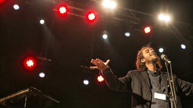 Salvador Sobral prepara-se para voltar com... digressão em Espanha