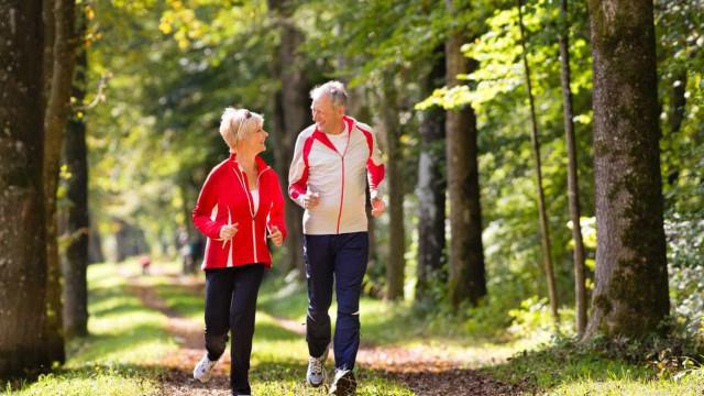 A combinação de yoga com exercício aeróbico pode dar saúde ao coração