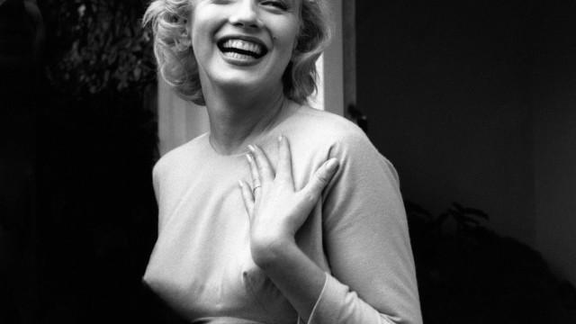 Fotografias raras e ousadas de Marilyn Monroe vão ser leiloadas