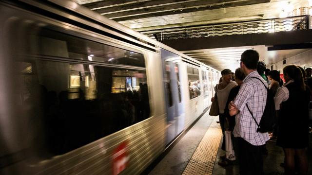 Estações de metro abertas durante a noite para receber sem-abrigo