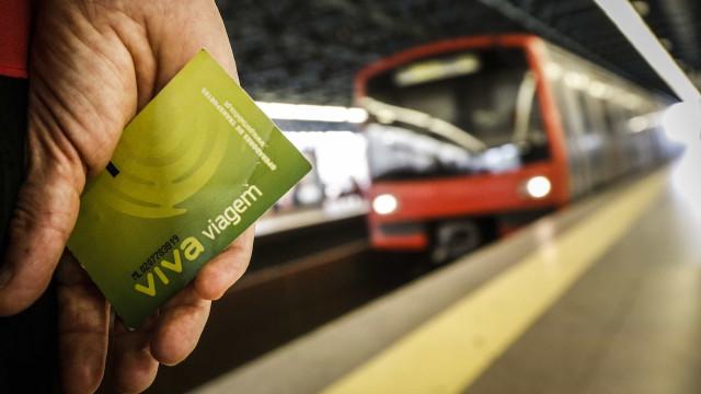 Metro de Lisboa faz anos, mas são os clientes que recebem as prendas