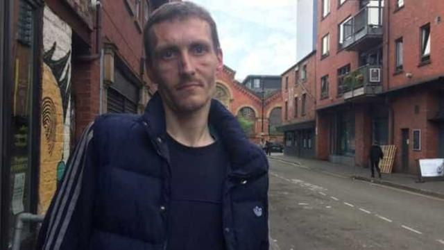 """""""Herói de Manchester"""" acusado de roubar cartão de crédito a vítima"""