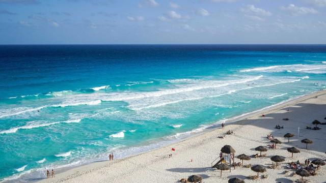 Cinco pessoas encontradas mortas dentro de um carro em Cancun