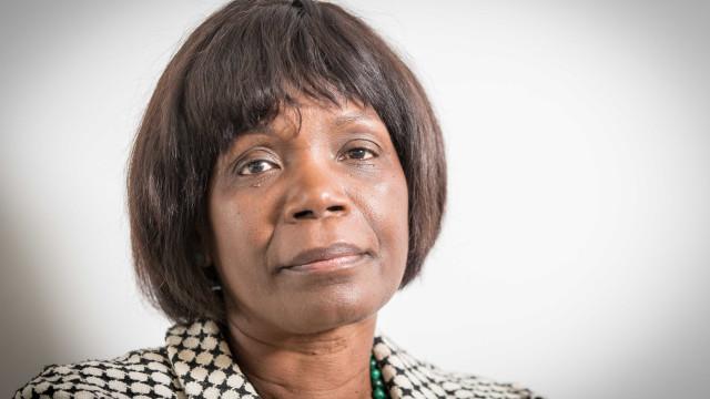 Ministra quer requalificação dos tribunais com todos os partidos
