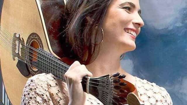 Guitarrista Marta Pereira da Costa faz digressão nos EUA em março