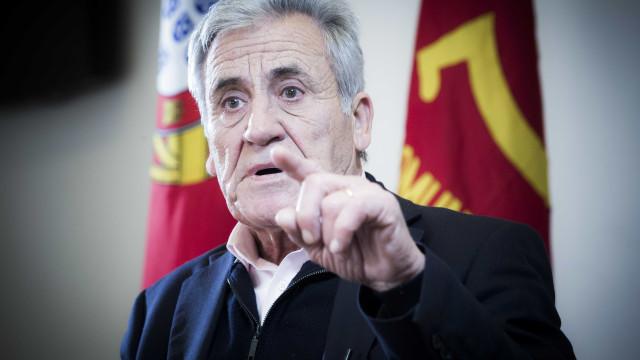 """Jerónimo de Sousa condena ataque e defende que Portugal se """"demarque"""""""
