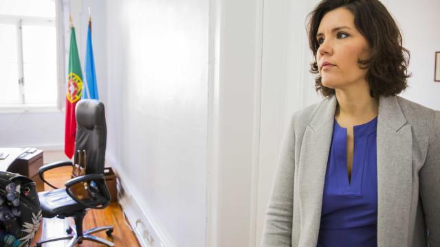 """Cristas solidária com Rajoy perante atos """"bárbaros e cobardes"""""""