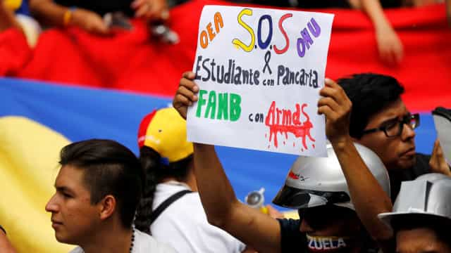Venezuela proíbe entrada de encomendas e limita envios