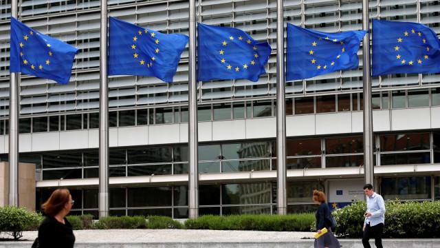 Nenhum dos sete países candidatos à zona euro cumpre todos os critérios