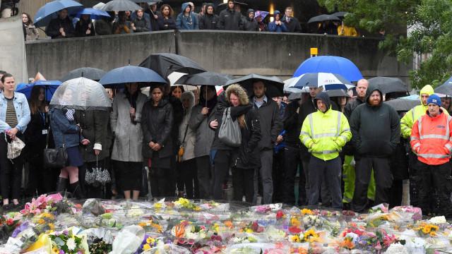 Divulgadas imagens de polícia britânica a abater terroristas de Londres