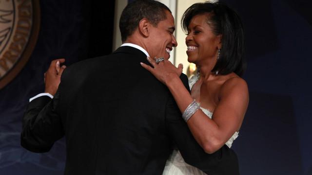 """Barack Obama declara-se a Michelle: """"Amo-te mais a cada dia que passa"""""""