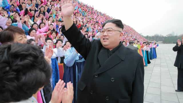 Kim Jong-un convida Papa Francisco a ir à Coreia do Norte