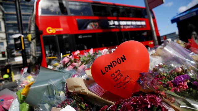 Membro do Governo português vai depositar coroa de flores em Londres
