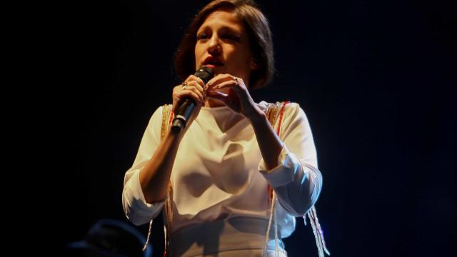 Carminho edita novo álbum no final do mês e dá-lhe o nome 'Maria'