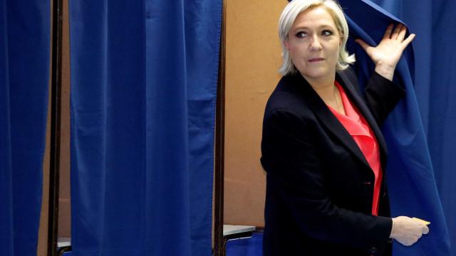 SOS Racismo congratula-se com decisão de retirar convite a Le Pen