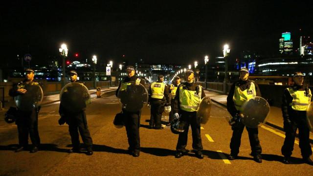 Agente da polícia britânica relata pandemónio após ataque terrorista