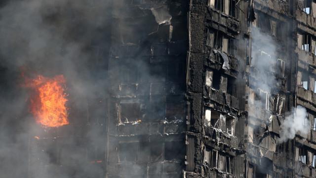 Fogo em Grenfell começou num frigorifico defeituoso, diz polícia